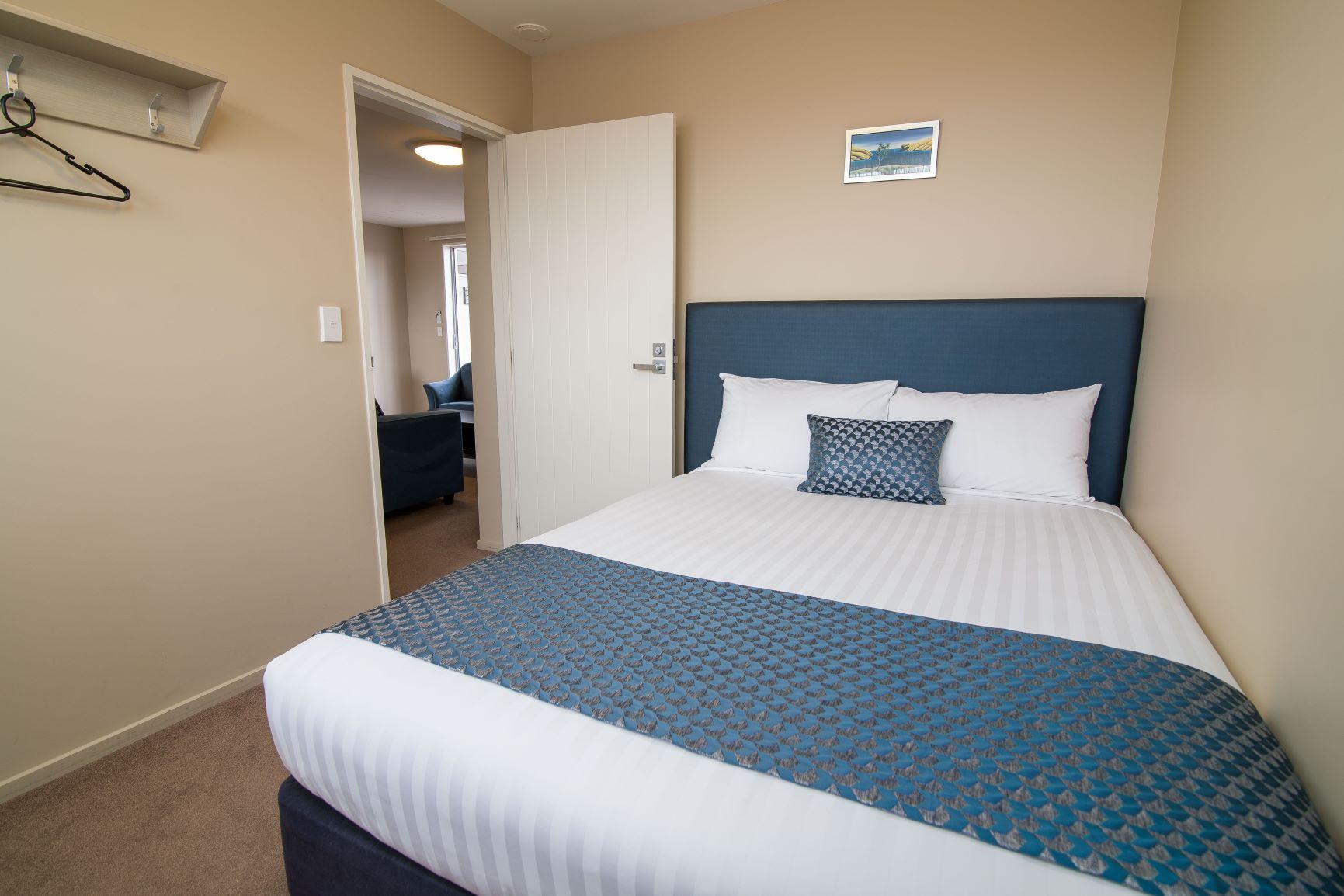 2 Bedroom Suite (17)