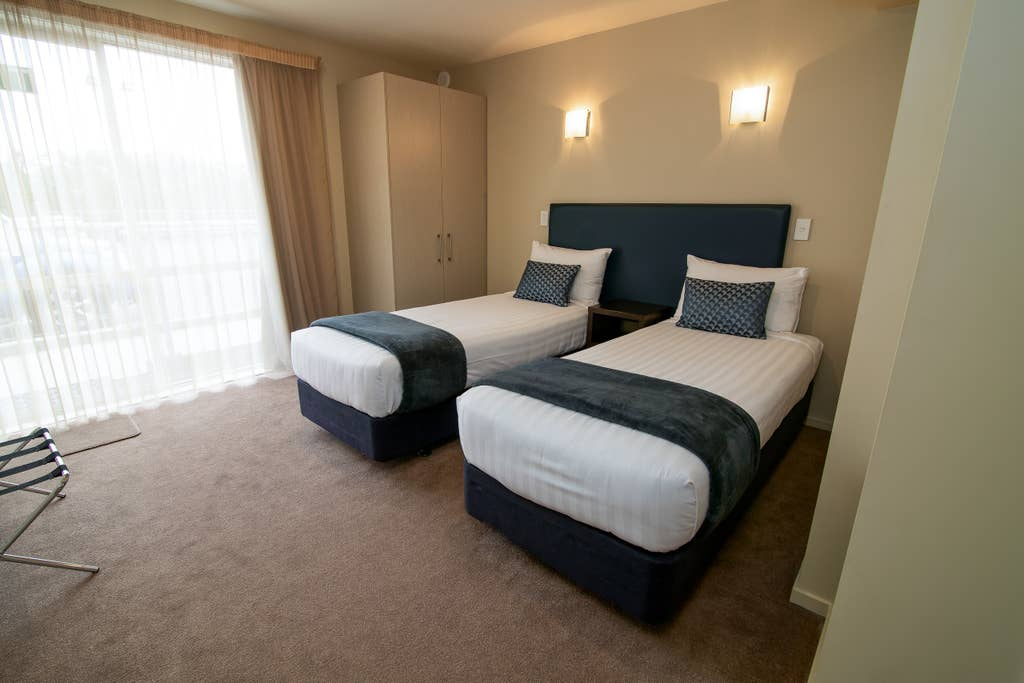 4 Bedroom Apartment at the Riverstone Motel