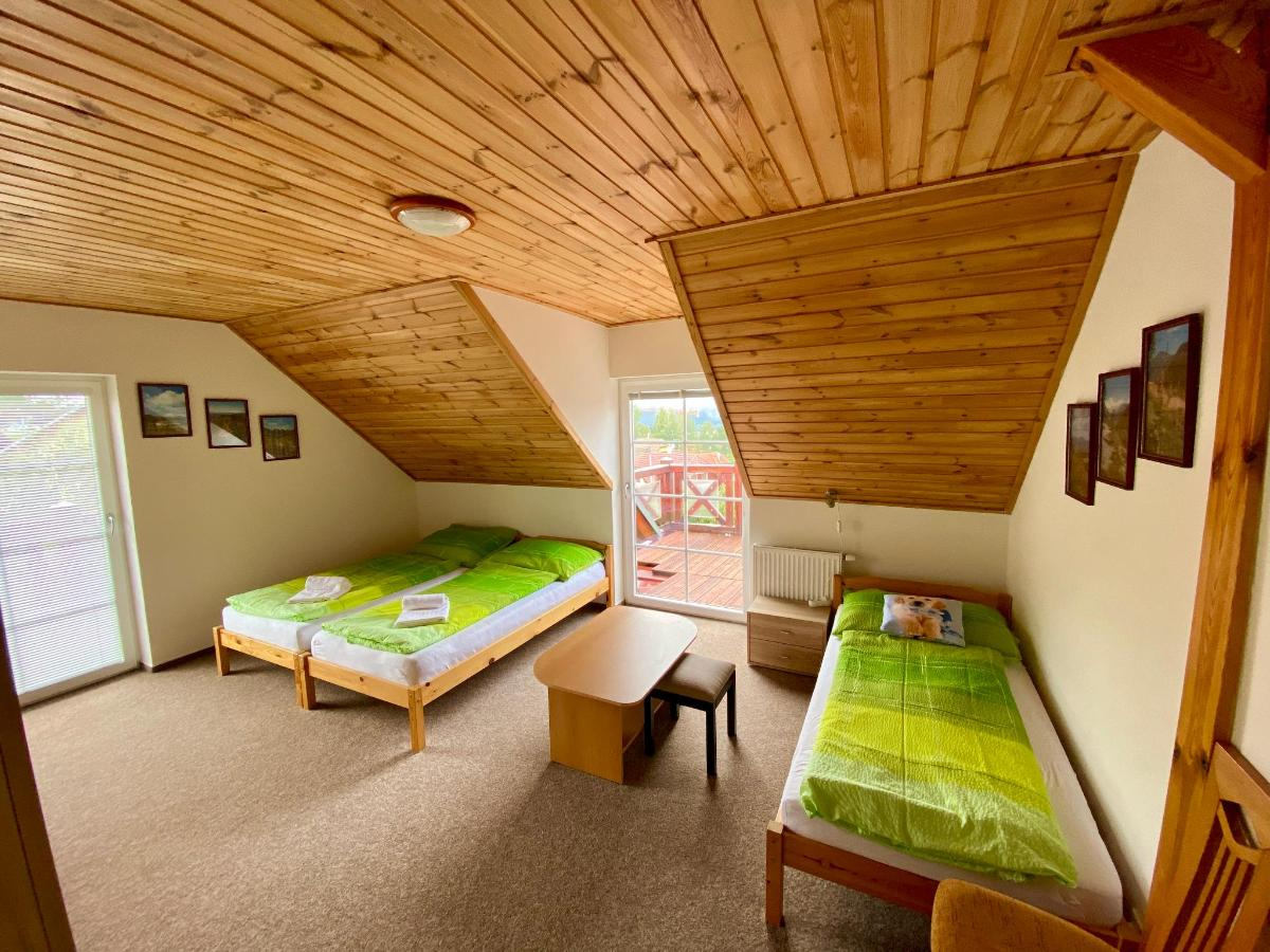 App1: 6 Single Bed Two Bedroom Apartment with Balcony