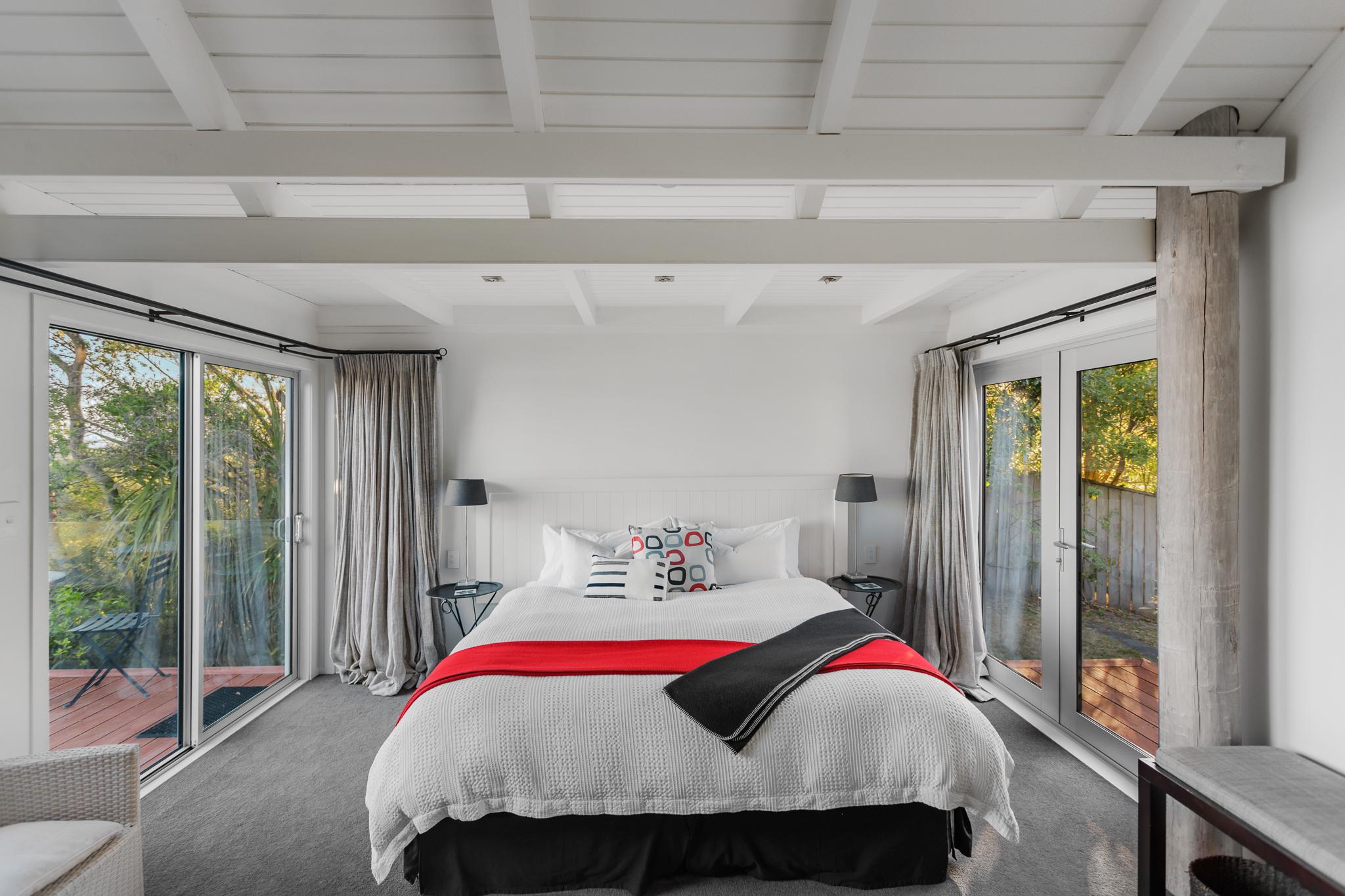 Wharewaka Suite (Lake View)