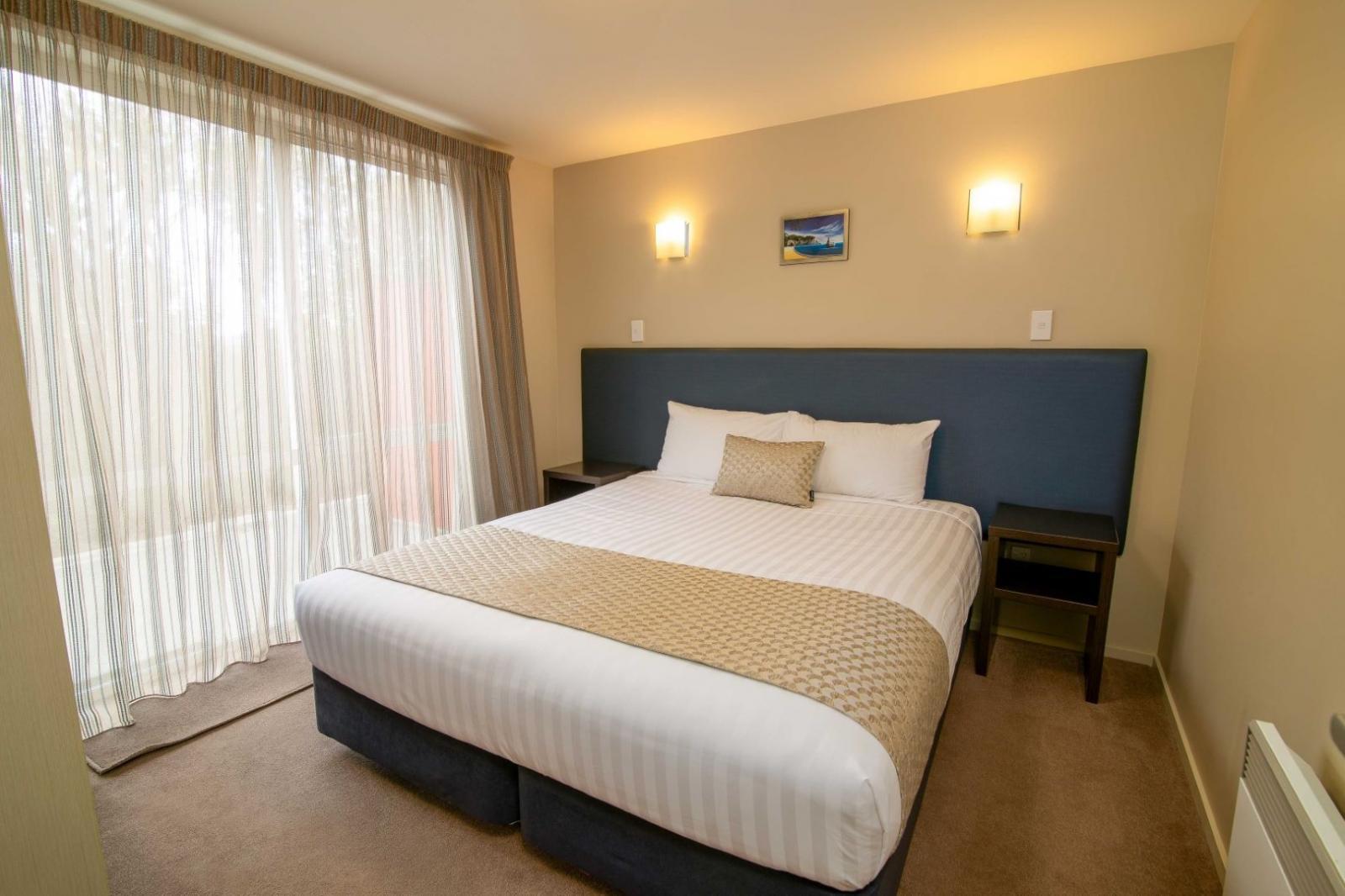 2 bedroom suite ground 7